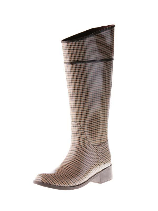 Высокие модные резиновые сапоги жокейские.